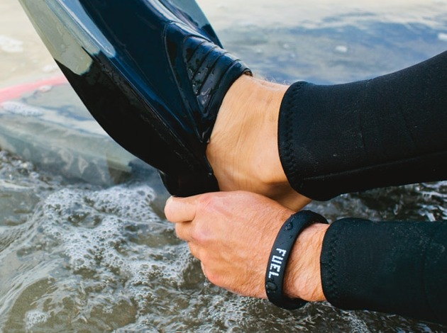 waterfi-waterproofed-nike-fuelband-beach-700x700