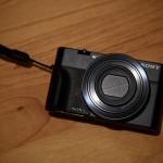 2012年に発売されたデジタルカメラ『SONY Cyber-shot DSC-RX100』を購入しました